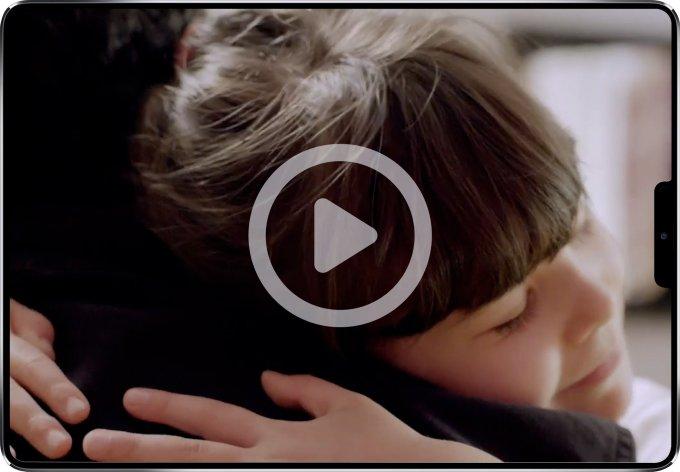 foto de niña abrazando a su padre